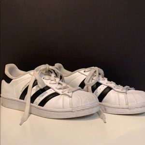 Good condition white sneakers